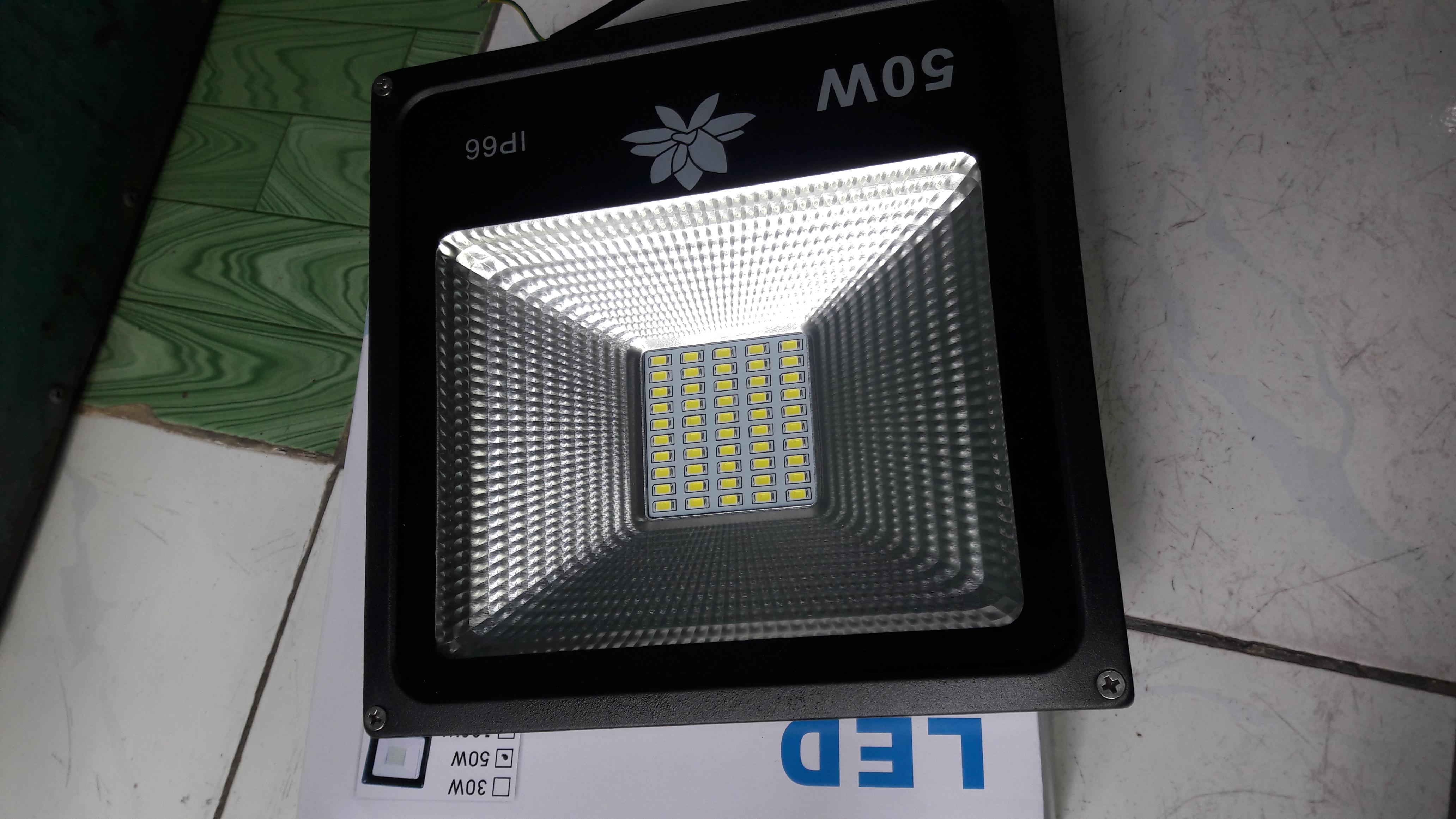 Đèn pha LED siêu sáng giá rẻ, 50W, 100W, 150W...